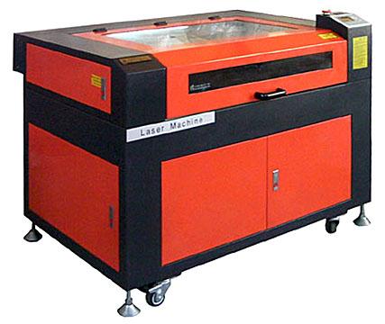 様々な彫刻・切断加工に最適なレーザー加工機 RSD-SUNMAX-QS9060