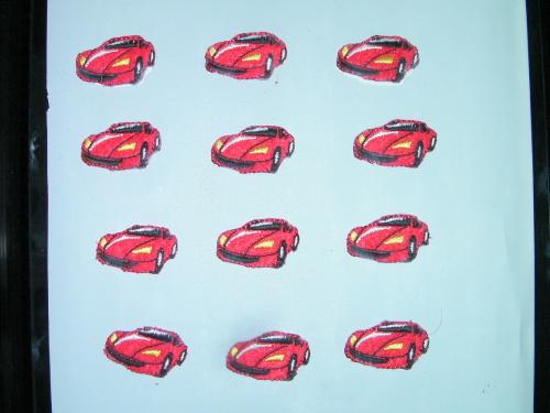 配列配置の刺繍アップリケ